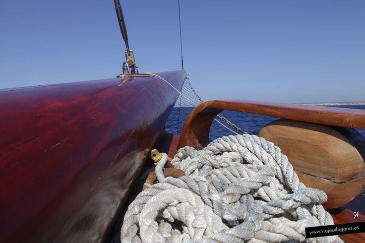 Excursión en velero.— en Isla de Comino, Malta.