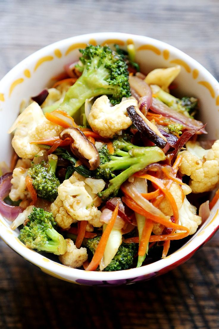 I use arrowroot instead of cornstarch and leave out the molasses. So good! Vegetable Stir Fry with Carrots, Broccoli and Cauliflower - Recipes, Vegetables - Divine Healthy Food
