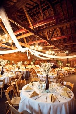 prettyWooden Chairs, Ideas, Simple Centerpieces, Barn Weddings, Barns Receptions, Barn Wedding Receptions, Barns Wedding Receptions, Rustic Wedding, Barns For Wedding Receptions