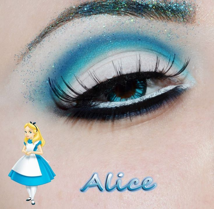 Alice eye make up