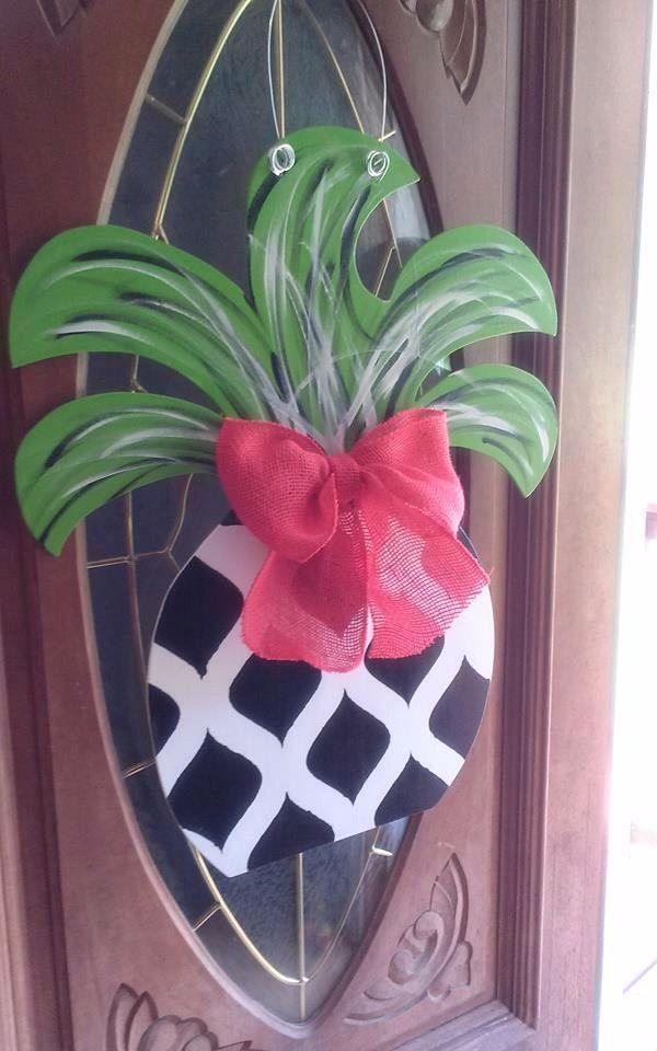 Large Pineapple Door Hanger