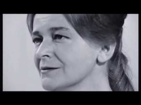 """VIDEO /// Jean FERRAT & Christine SEVRES """"La matinée """" l'incroyable visage de Christine Sèvres, si expressif, si humain, un être inoubliable. Sa voix ferme et assurée vient donner la réplique à la plus belle voix de la chanson française,celle de Jean Ferrat. Ce document quasi inédit est un must que l'on doit aux diffusions récentes qui ont illustré la disparition de Jean Ferrat."""