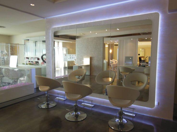 Oltre 25 fantastiche idee su interni per salone di for Arredamento salone