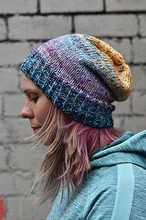 Informação importante: depois de vários de vocês tricotarem este chapéu, ficou aparente ...