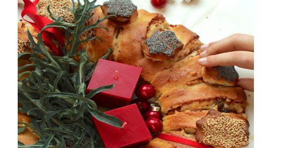 La corona di Natale, la ricetta di Natalia Cattellani che diventa un centrotavola perfetto per le feste natalizie. Ovviamente poi si mangia