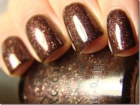 Love the chocolate brown with sparkles...may have to run to Ulta this afternoon! (OPI - Esspresso)