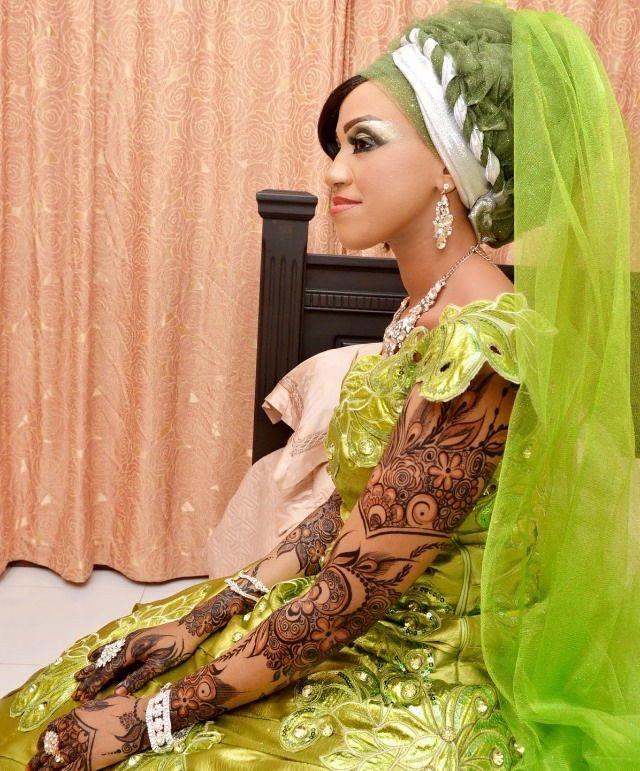 http://beautiesofafrique.tumblr.com/post/111610018750/beautiesofafrique-swahili-brides-in-green