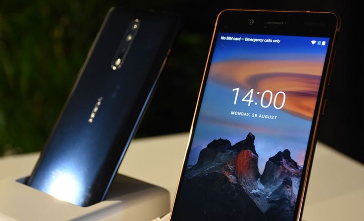 Nokia 8 on ensimmäinen tuplakameralla varustettu Nokia-älypuhelin.