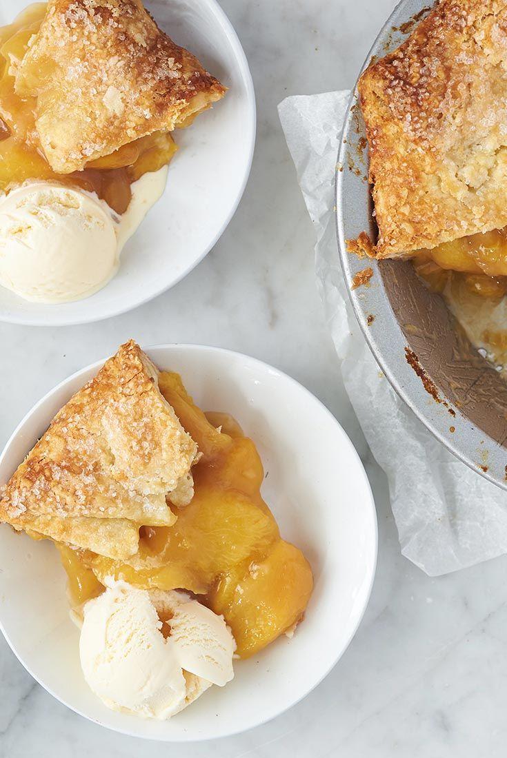 Sommerlicher Pfirsichkuchen, der perfekt zu einer Kugel Vanilleeis passt.   – Fruit – Desserts, Salads, & More