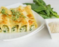 cannelloni aux courgettes, chèvre frais et basilic : http://www.cuisineaz.com/recettes/cannelloni-aux-courgettes-chevre-frais-et-basilic-44702.aspx