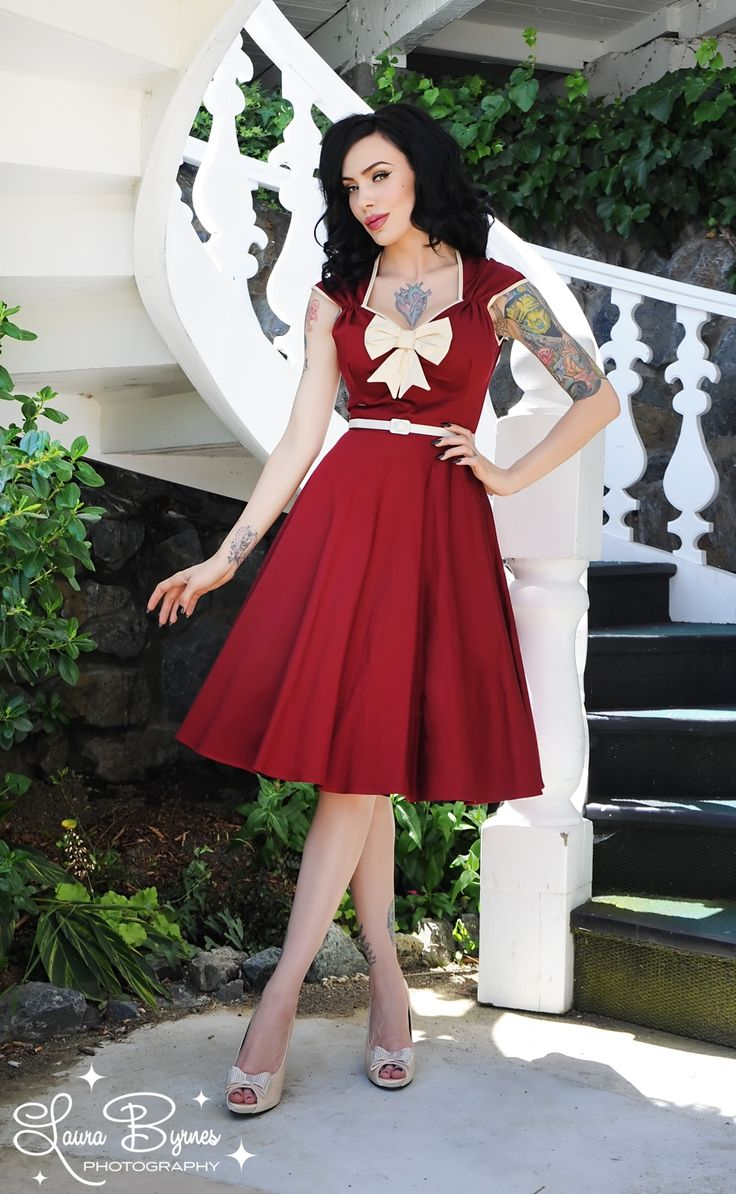 what a darling dress!: Heidi Dresses, Beauty Dresses, Creme Bows, Styles, Pinup Girls, Girls Clothing, Sweet Dresses, The Dresses, Pin Up Girls