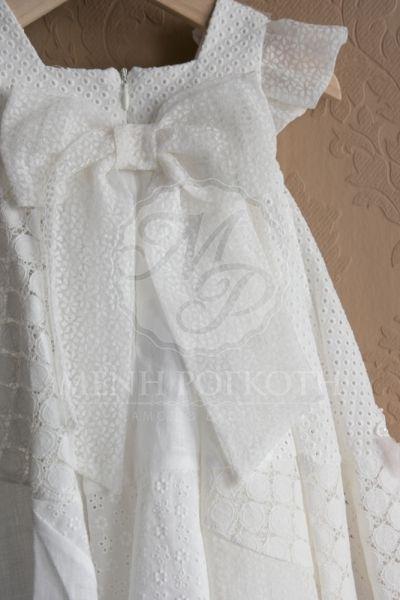 7b4778e5e8d Βαπτιστικά ρούχα για κορίτσι της Lapin House σε ζαχαρί χρώμα με υφασμάτινα  λουλουδάκια