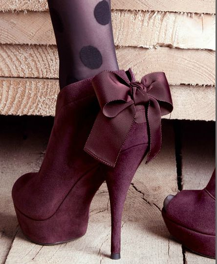VERA WANG Lavender Royce Back-Bow Peep-Toe BootieHigh Heels Boots, Fashion Shoes, Polka Dots, Purple, Ankle Boots, Colors, Tights, Bows, Style Fashion