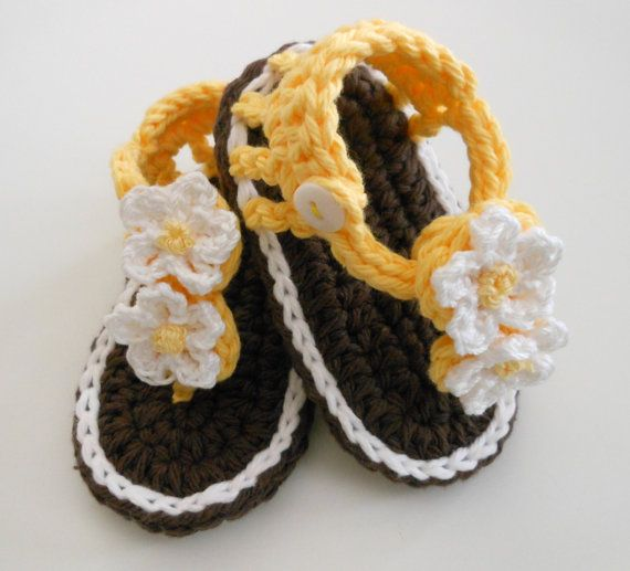 Crochet Bootie Sandals-Crochet Baby Sandals-Crochet Booties-Brown, Yellow,  White - Daisy Flowers  Button Strap -0-6 months-Photo Prop
