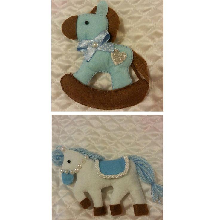 Doğumgünleri için sevimli, minik atlar