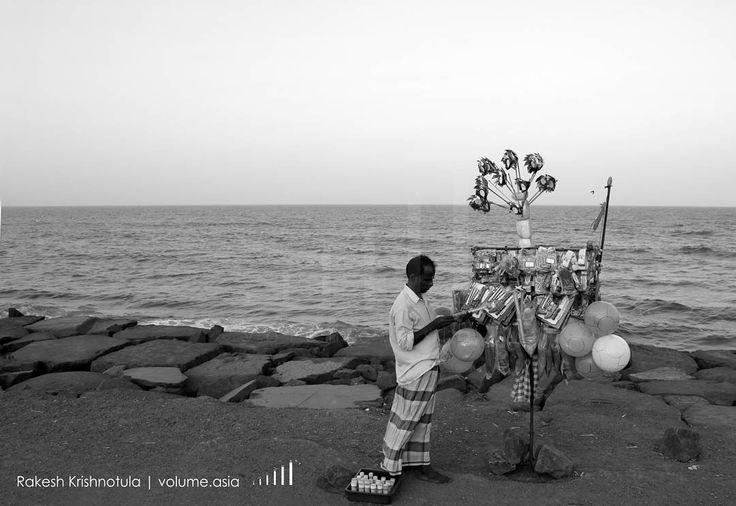 Balloon man at Pondicherry beach. #travel #traveling #vacation #visiting #instatravel #instago #instagood #trip #holiday #photooftheday #fun #travelling #tourism #tourist #instapassport #instatraveling #mytravelgram #travelgram #travelingram #igtravel @copyrightindia #pondicherry #IndiaPictures #india By Rakesh Krishnotula Follow on IG : rakesh.krishnotula Production : volume.asia
