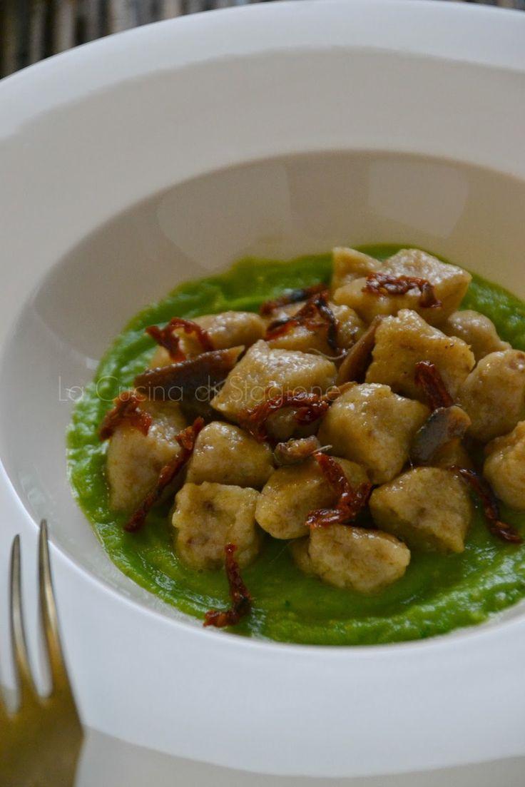 La Cucina di Stagione: Gnocchi di pane nero, crema di broccoli e acciughe