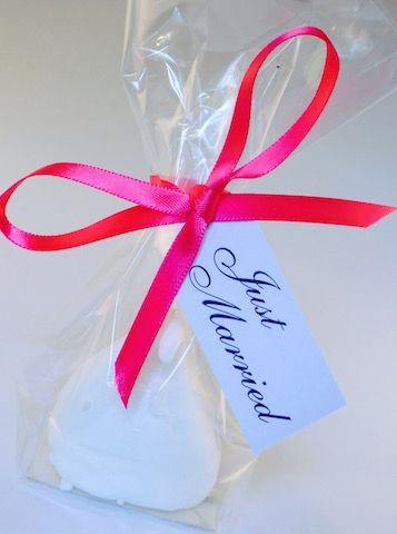 Champagne Charlie Wedding Favour From Amouthfulofheaven Meringues Weddingfavours