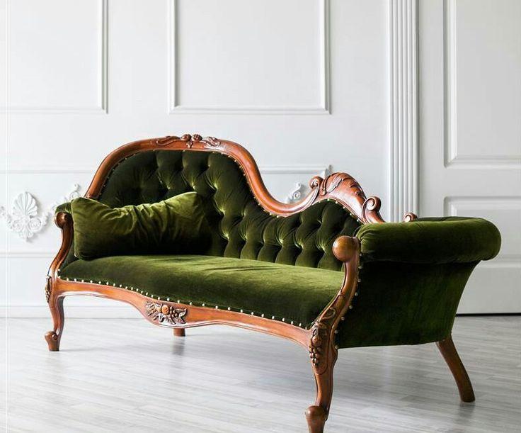 Canapea din lemn masiv tapitata in catifea verde Roman Velvet Sofa