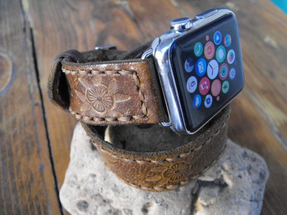 Leather double tour wrap Apple strap for women.  This is leather double wrap for apple watch. It is designed for female Apple watch. Made from Italian