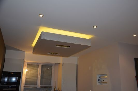 Photos de faux plafond avec lumi re indirecte les for Fond plafond salon