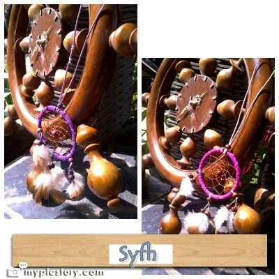 purple and magenta dream catcher. Bisa jadi kalung.Diameter 7,5cm IDR 30,000