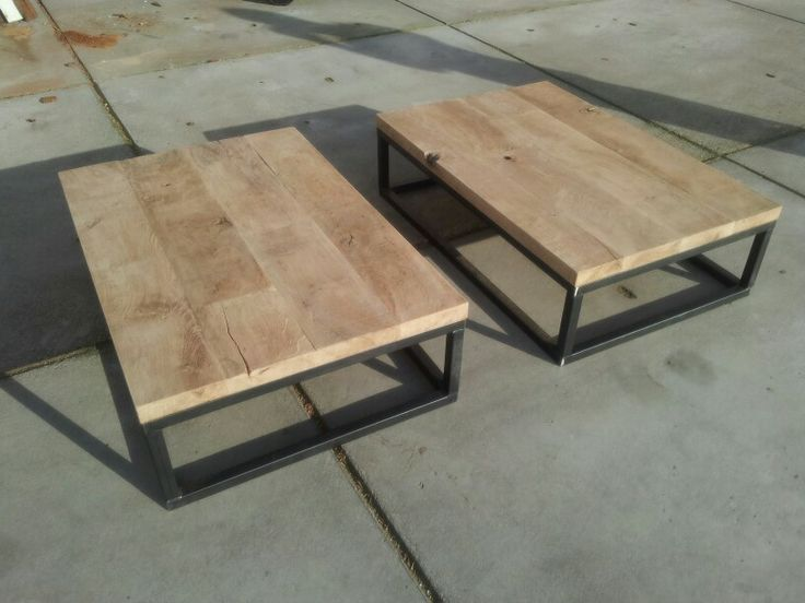 Salontafels. Ruw eiken/ staal