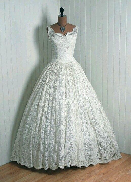 old fashion wedding dress LOVE IT!!!!