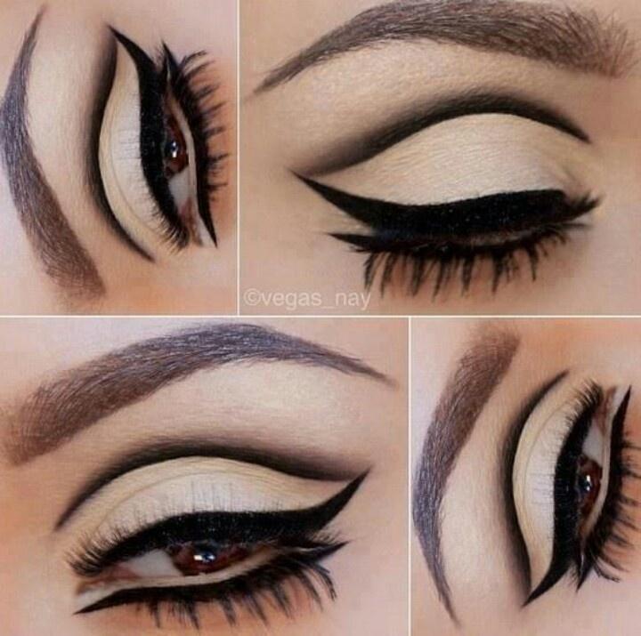 Modern MOD 60's style eyeliner                                                                                                                                                                                 Mais