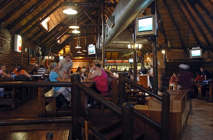 Drakenstein Restaurant - Immergewilde kuierplek van studente