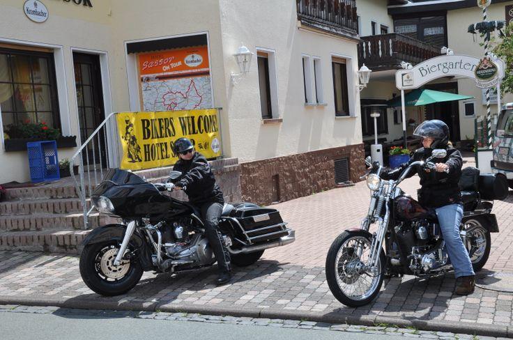 Abfahrt der Harley Ladies