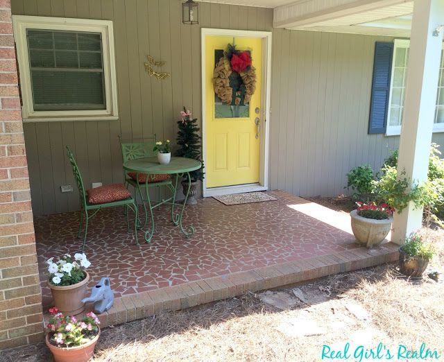 Decorating a Front Porch for Summer http://www.realgirlsrealm.com/2016/06/decorating-front-porch-for-summer.html #DIY #homedecor