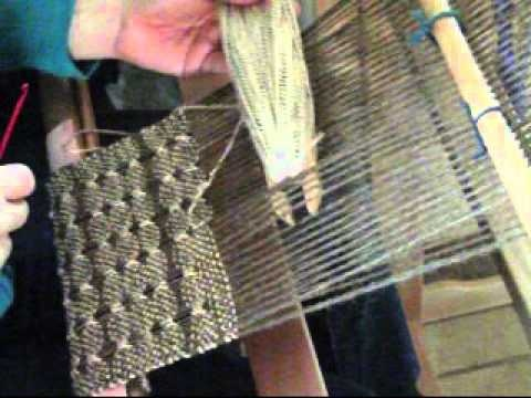 Danish Medallion Weaving.wmv - rigid heddle work.