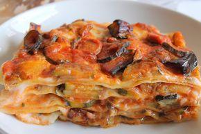 Le lasagne di pane carasau sono un'alternativa alle classiche lasagne alla bolognese. Semplici, sfiziose e veloci. Ecco la ricetta