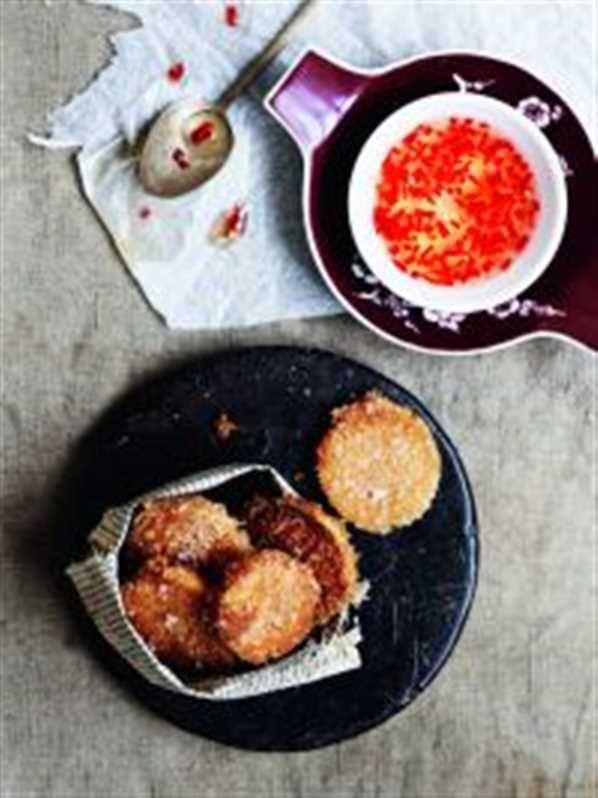 Sprøde søde kartofler med sød chilisauce opskrift