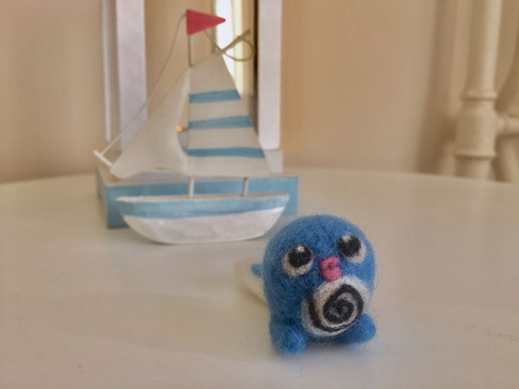 Needle felt pokemon art. Fiber art. Poliwag.  Follow me on: https://www.instagram.com/catchafelt