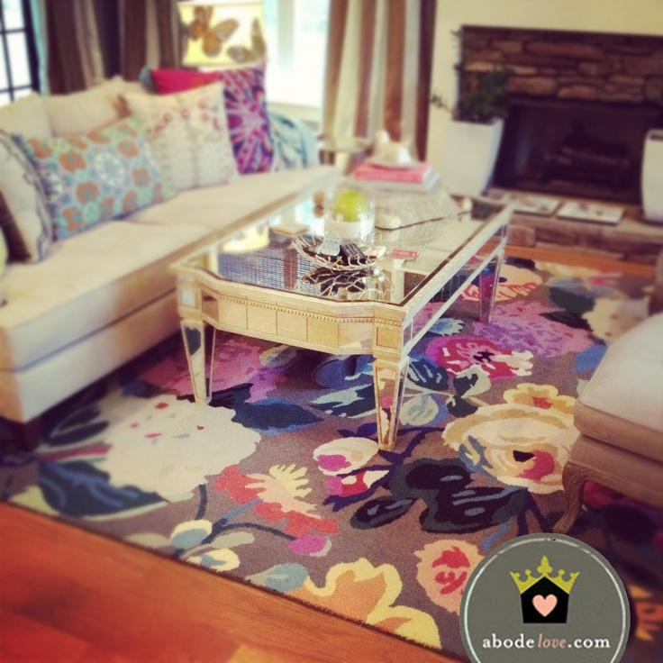"""This fabulous rug makes a great """"Statement Piece"""" of this otherwise rather simple room. Every room needs a wow piece."""