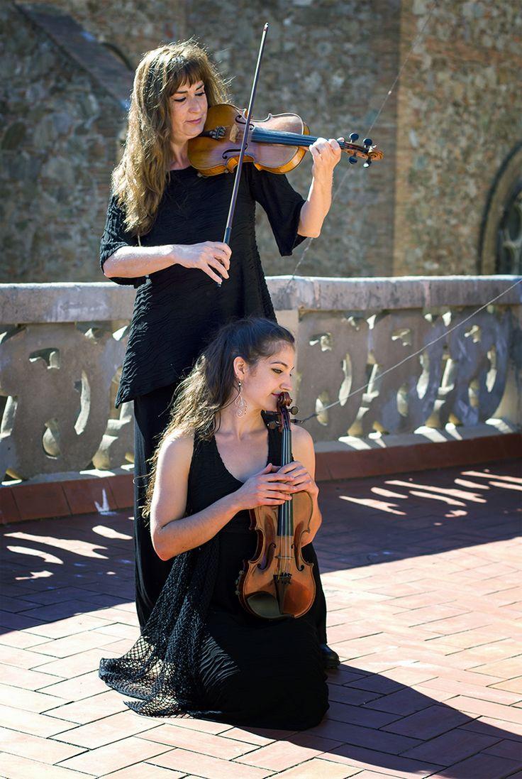 http://www.instintobcn.com/es/152-colleccio-soul Violinistas con ropa de la colección Soul #InstintoBcn #fashion #Summer2016