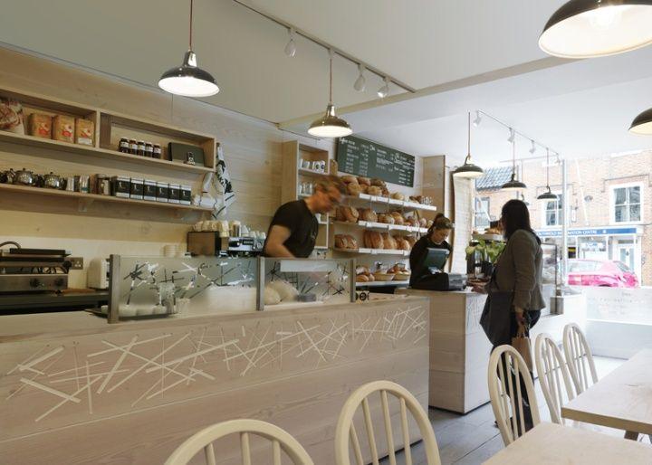 Уютный магазин-пекарня Two Magpies Bakery от дизайнеров Paul Crofts Studio