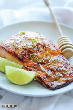 Honey Glazed Salmon   23 Deceptively Easy Dinners That'll Make You Look Like You've Got Your Shit Together