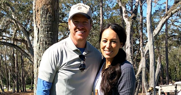 Joanna Gaines Shows Off Baby Bump With Husband Chip