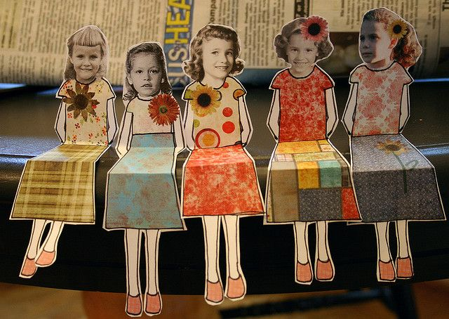 Customized photo paper dolls