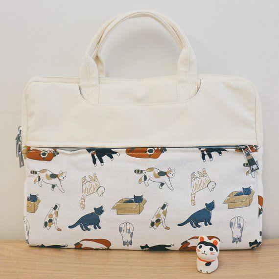 Laptop Bag / Laptop Pouch / MacBook Case 13 – 14 inches / Playful Cat / Japan/Korea Fabric / 815am