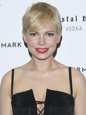 Can you pull off a pixie cut? Check out our tips before you chop it all off!: Pixie Cuts, Pixie Haircuts, Hairstyles Color, Advice Refinery29, Shorts Haircuts, Perfect Pixie, William Pixie, Shorts Hairstyles, Cute Pixie Cut