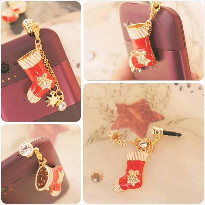 Koleksi Jewelry Pluggy (Stok Terbatas) :  Kode : AWS-198, Nama : Christmas Socks Cute Pluggy / Gantungan HP, Price : IDR 50