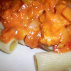 Kip met pasta in een romige tomatensaus @ allrecipes.nl
