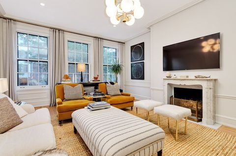 Interior designer Lauren Buxbaum Gordon seeks $3.5M for Gold Coast home - Curbed Chicago