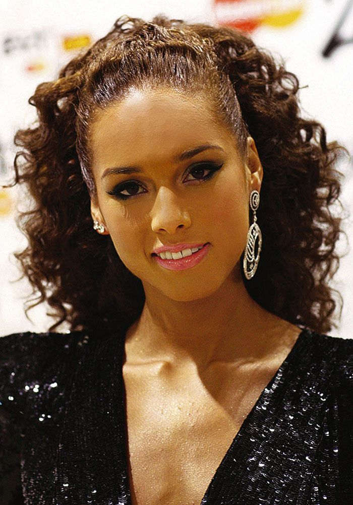 haircuts for brunettes curly hairstyles for black hair peinados 2434 | 1a91cde555fa2434d95809cd7ca08a07 long curly hairstyles hairstyles for black women