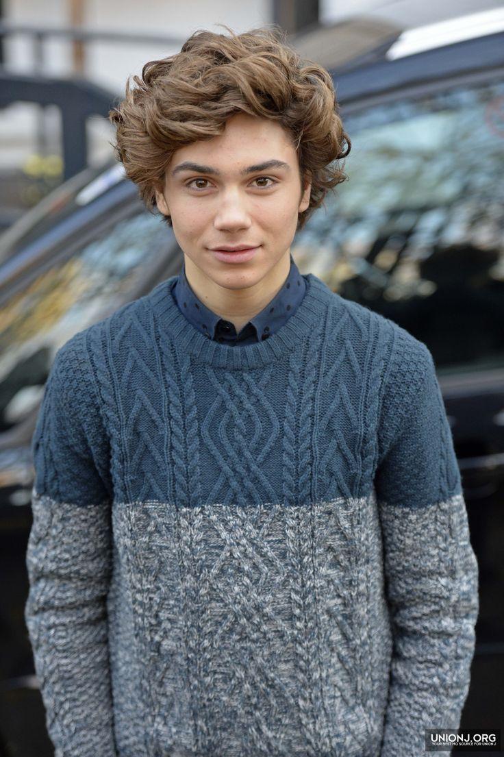 How cute he dresses up