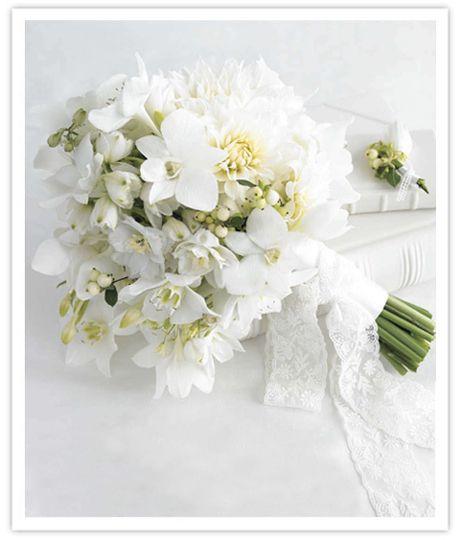 Bouquet de noiva - branco e verde - orquídeas Mais